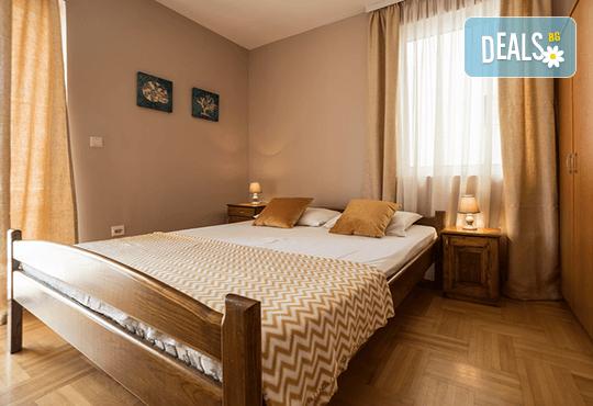 Лятна почивка на Черногорската ривиера! 5 нощувки със закуски и вечери във Hotel Boris, транспорт, фотопауза на Шкодренското езеро, каньона на р. Ибър и р. Морача - Снимка 4