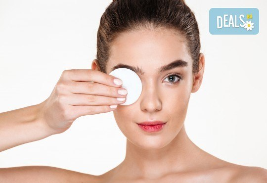 Чиста кожа! Мануално почистване на лице с професионална медицинска козметика в студио Нимфея - Снимка 2