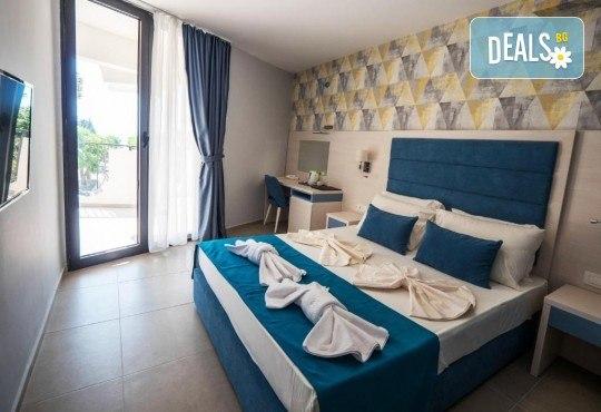 Лукс почивка на Черногорската ривиера! 5 нощувки със закуски и вечери във Hotel Pearl Beach 4* и транспорт, възможност за посещение на Дубровник - Снимка 3