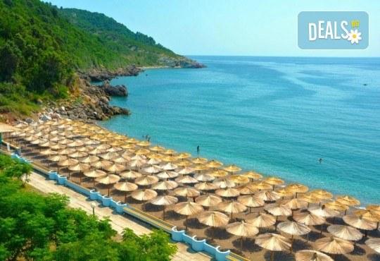 Лукс почивка на Черногорската ривиера! 5 нощувки със закуски и вечери във Hotel Pearl Beach 4* и транспорт, възможност за посещение на Дубровник - Снимка 5