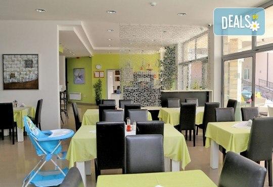 Почивка с цялото семейство в Черна гора! 5 нощувки със закуски и вечери във Hotel Novi 3* и транспорт, възможност за посещение на Будва и Котор - Снимка 3