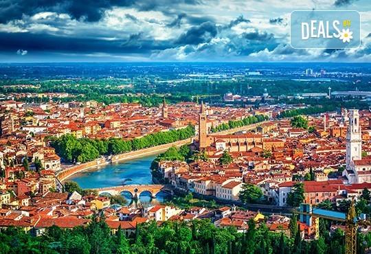 Отново в Италия! 3 нощувки със закуски, транспорт, екскурзоводско обслужване и посещение на Верона, Венеция и Загреб - Снимка 2
