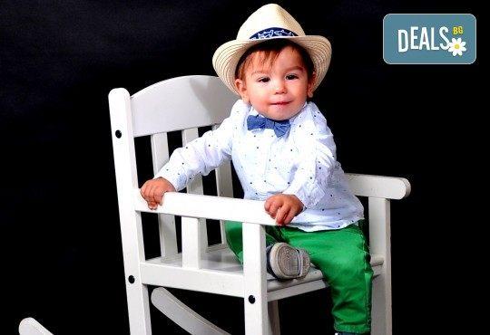 Лятна фотосесия в студио - бебешка, детска, индивидуална или семейна + подарък: фотокнига, от Photosesia.com - Снимка 4