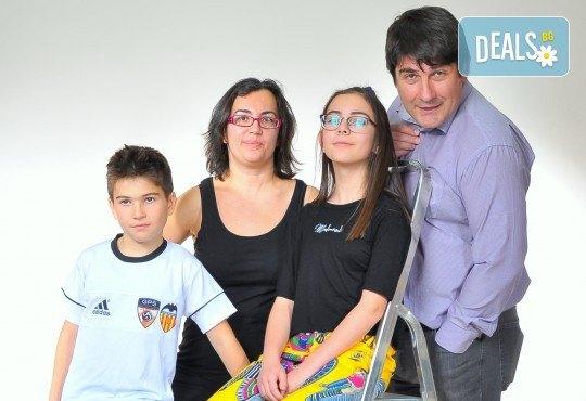 Лятна фотосесия в студио - бебешка, детска, индивидуална или семейна + подарък: фотокнига, от Photosesia.com - Снимка 5
