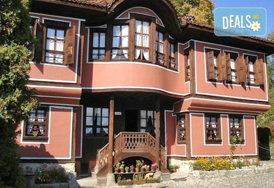 По стъпките на Българското Възраждане! Екскурзия до Копривщица, Панагюрище, Сопот и Калофер с 1 нощувка, закуска и вечеря, транспорт и водач - Снимка 1