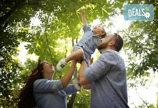 Детска, семейна или индивидуална фотосесия на открито или на адрес на клиента + подарък DVD от New Line Production - Снимка 2