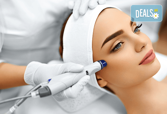 Антиейдж терапия и почистване на лице с диамантено микродермабразио в салон за красота Неви в Центъра - Снимка 1