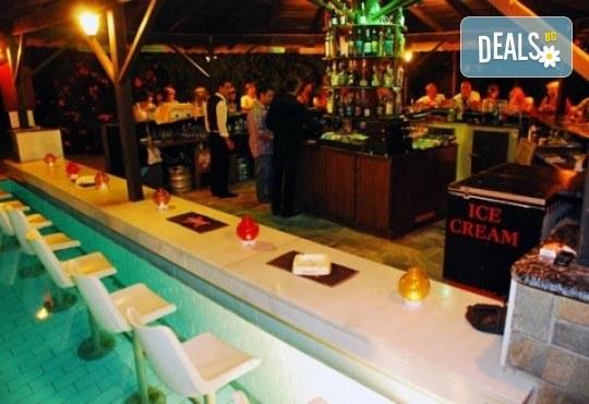 Септемврийски празници на остров Тасос! 2 нощувки със закуски и вечери в Hotel Coral 2* в Скала Рахони - Снимка 13