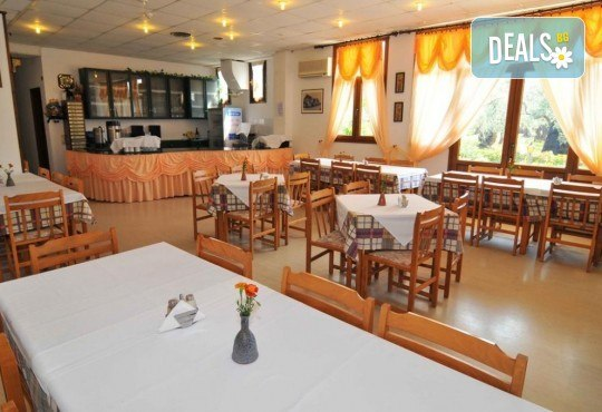 Септемврийски празници на остров Тасос! 2 нощувки със закуски и вечери в Hotel Coral 2* в Скала Рахони - Снимка 11