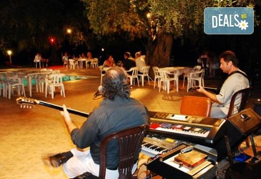 Септемврийски празници на остров Тасос! 2 нощувки със закуски и вечери в Hotel Coral 2* в Скала Рахони - Снимка 12