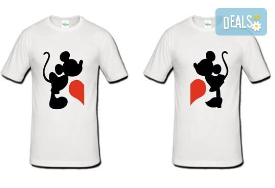 Романтично и забавно! 2 броя тениски за двойки със снимка на клиента или щампа по Ваш избор от Хартиен свят - Снимка 2