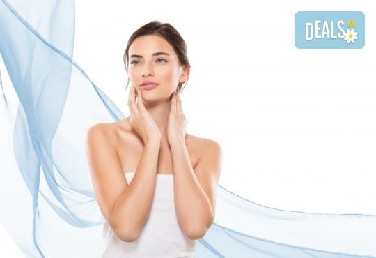 Радиочестотен лифтинг на лице, ултразвук с хиалуронов гел на френската козметика Sothys и моделиращ лифтинг масаж с анти-ейдж ампула в Morea Beauty Studio - Снимка 1