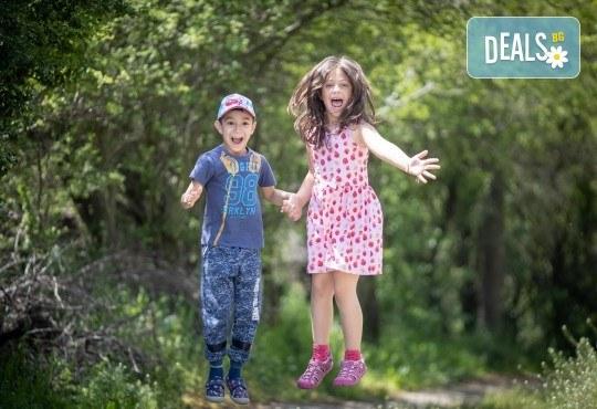 Детска, семейна или индивидуална фотосесия, външна или в студио, плюс обработка на всички кадри от ARSOV IMAGE - Снимка 5