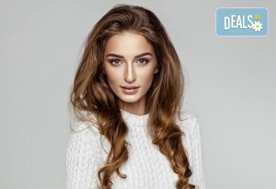 """Подстригване, терапия за коса и оформяне тип """"подсушаване"""" в Beauty Salon Tesori"""