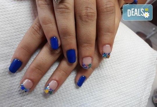 Лято е! Mаникюр или маникюр + педикюр с гел лак BlueSky, 2 или 4 декорации, вграждане на камъчета и ефекти от Салон Мечта - Снимка 23