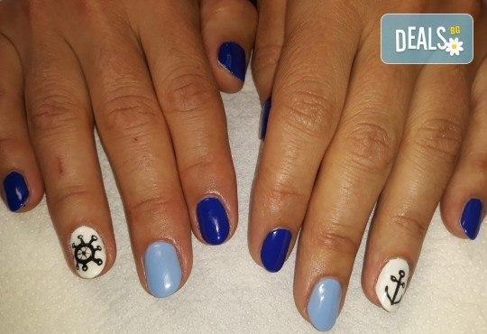 Лято е! Mаникюр или маникюр + педикюр с гел лак BlueSky, 2 или 4 декорации, вграждане на камъчета и ефекти от Салон Мечта - Снимка 14