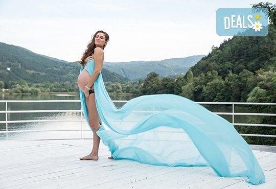 Лято е! Фотосесия за бременни на открито с включени аксесоари и рокли + обработка на всички заснети кадри, от Chapkanov photography - Снимка 1