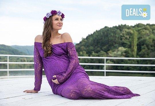Лято е! Фотосесия за бременни на открито с включени аксесоари и рокли + обработка на всички заснети кадри, от Chapkanov photography - Снимка 2