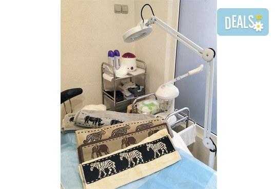 Мануално почистване на лице, ензимен пилинг и ултразвук с ампула Q10 коензим + маска с млечен протеин и витамини в студио Нова - Снимка 9