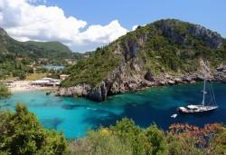 Почивка през септември на остров Корфу! 5 нощувки със закуски и вечери в Hotel Oazis 3*+, транспрт и водач - Снимка