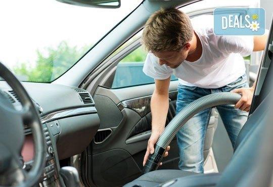 Цялостно машинно пране и подсушаване на салон на автомобил на Ваш адрес от Професионално почистване ЕТ Славия - Снимка 2