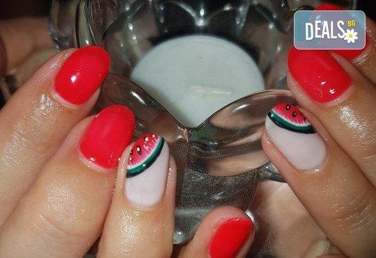 Ярки и дълготрайни цветове! Маникюр с гел лак и 2 декорации по избор в Beauty Studio Estetic Varna - Снимка 2