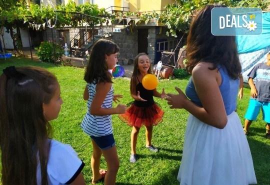 Аниматор за детски рожден ден с много забавни игри и музикална апаратура от Парти агенция ИВОНИ - БАРБАРОНИ - Снимка 12