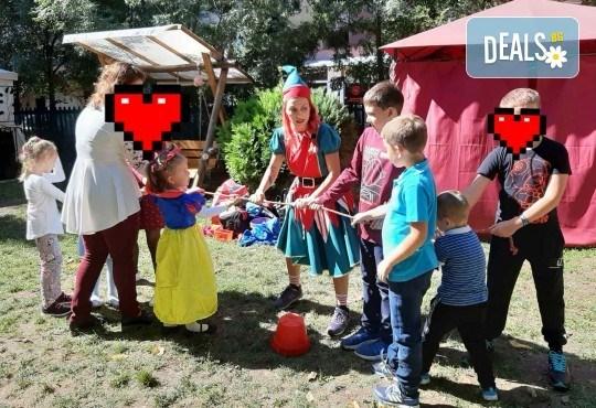 Аниматор за детски рожден ден с много забавни игри и музикална апаратура от Парти агенция ИВОНИ - БАРБАРОНИ - Снимка 15