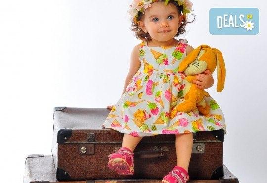 Фотосесия в студио - бебешка, детска, индивидуална или семейна + подарък: фотокнига, от Photosesia.com - Снимка 5