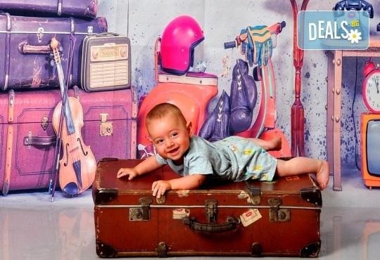 Фотосесия в студио - бебешка, детска, индивидуална или семейна + подарък: фотокнига, от Photosesia.com - Снимка 3