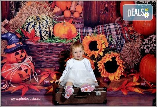 Фотосесия в студио - бебешка, детска, индивидуална или семейна + подарък: фотокнига, от Photosesia.com - Снимка 1