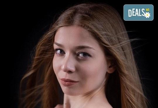 Професионална 120-минутна индивидуална фотосесия в студио + всички кадри и 20 кадъра с дълбок ретуш от фотостудио Arsov Image - Снимка 6