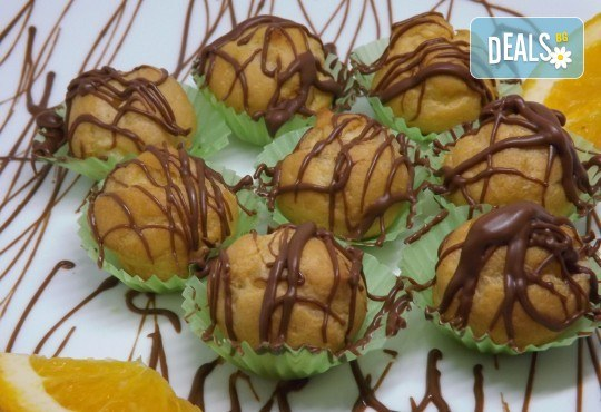 Почерпете гостите си със стилен сет от 115, 170 или 230 солени и сладки хапки микс от H&D Catering - Снимка 3