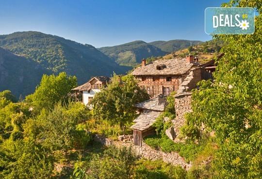 Екскурзия през септември или октомври до Лещен и Ковачевица! 1 нощувка и закуска в Огняново, транспорт и екскурзовод - Снимка 2