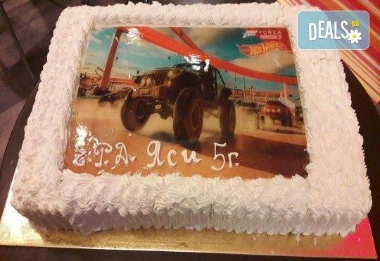Голяма детска торта 20, 25 или 30 парчета със снимка на любим герой от Сладкарница Джорджо Джани - Снимка 19