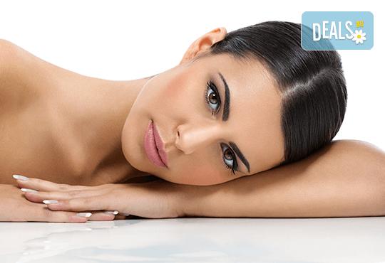Лифтинг масаж на лице, шия и деколте + ултразвуково въвеждане на ампула с Anti-age ефект, маска и финален крем в студио Нова - Снимка 1