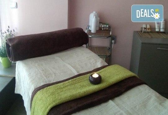 Релаксиращ класически масаж 60 минути с алое или лайка и зонотерапия на ръце и длани в Angels Beauty massage - Снимка 7