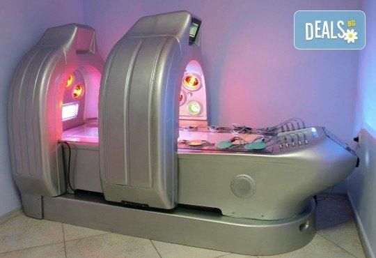 Подарете си здраве и дълголетие с процедура в многофункционална СПА капсула в Senses Massage & Recreation - Снимка 3