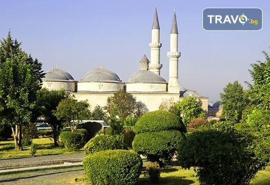 Еднодневна шопинг екскурзия до Одрин с транспорт, водач, посещение на джамията Селимие, Margi Outlet и мол Erasta - Снимка 2