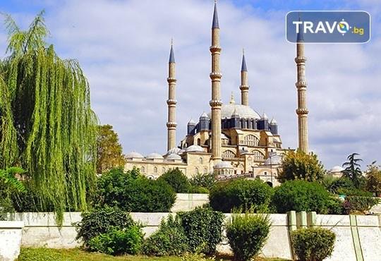 Еднодневна шопинг екскурзия до Одрин с транспорт, водач, посещение на джамията Селимие, Margi Outlet и мол Erasta - Снимка 1
