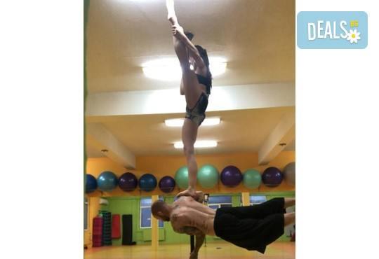 Забавлявайте се и бъдете във форма! 3 или 5 тренировки по Pole Dance - танци на пилон в Pro Sport клуб, Варна - Снимка 6