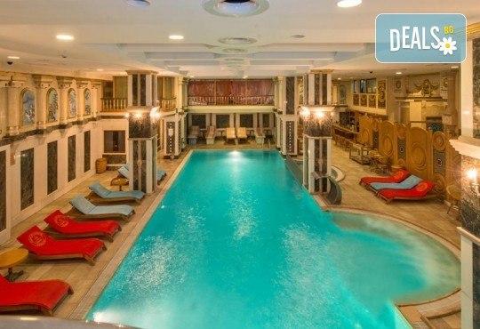 Есенна лукс почивка в Celal Aga Konagi Hotel & SPA 5*, Истанбул! 2 нощувки и закуски, транспорт, ползване на басейн, сауна и фитнес - Снимка 1