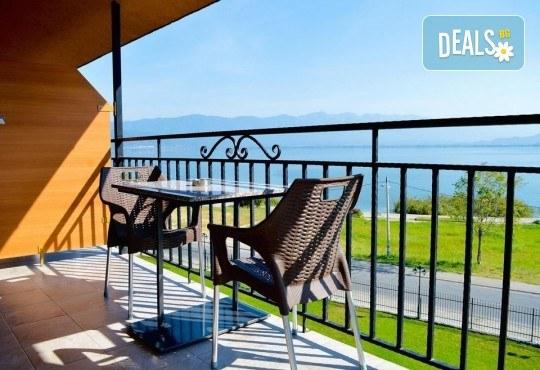 Посрещнете 2021 на брега на Дойранското езеро! 3 нощувки с 3 закуски, 2 стандартни и 1 Новогодишна вечеря в La Terrazza 3* в Стари Дойран, възможност за транспорт - Снимка 5