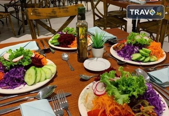 Посрещнете 2021 на брега на Дойранското езеро! 3 нощувки с 3 закуски, 2 стандартни и 1 Новогодишна вечеря в La Terrazza 3* в Стари Дойран, възможност за транспорт - Снимка 4