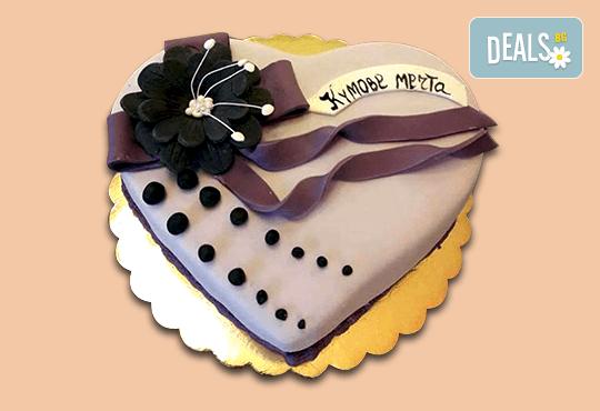 За кумовете! Празнична торта Честито кумство с пъстри цветя, дизайн сърце, романтични рози, влюбени гълъби или др. от Сладкарница Джорджо Джани - Снимка 7