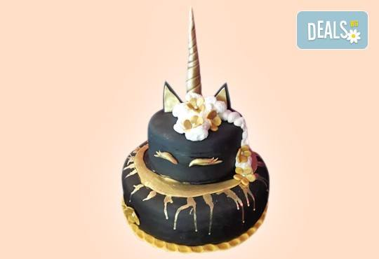 За кумовете! Празнична торта Честито кумство с пъстри цветя, дизайн сърце, романтични рози, влюбени гълъби или др. от Сладкарница Джорджо Джани - Снимка 40