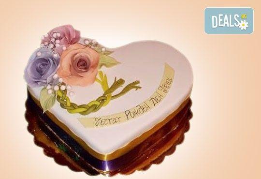 За кумовете! Празнична торта Честито кумство с пъстри цветя, дизайн сърце, романтични рози, влюбени гълъби или др. от Сладкарница Джорджо Джани - Снимка 10