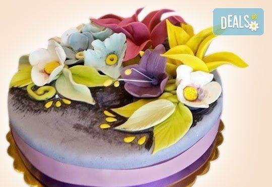 За кумовете! Празнична торта Честито кумство с пъстри цветя, дизайн сърце, романтични рози, влюбени гълъби или др. от Сладкарница Джорджо Джани - Снимка 19