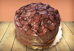 Шоколад и баварски крем! Шоколадова торта Париж с 8, 12 или 16 парчета от майстор-сладкарите на Сладкарница Джорджо Джани - Снимка