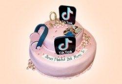 С Вашия бранд! Фирмена торта с лого и индивидуален дизайн от Сладкарница Джорджо Джани - Снимка